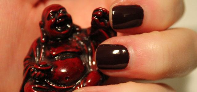 My Essie Shearling Darling nail polish review.