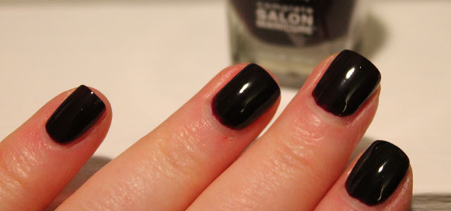 My review of Sally Hansen's Complete Salon Manicure #510 Pat on the Black.