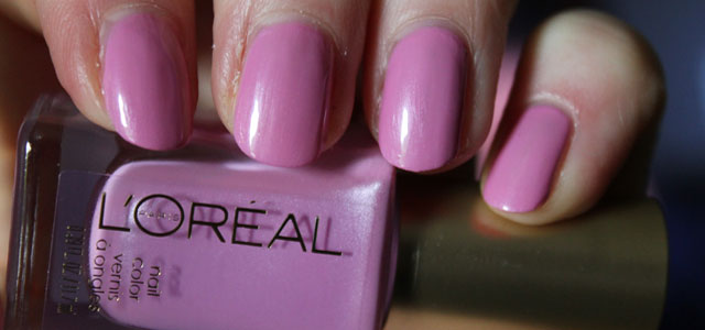 My mini review of L'Oreal's Butterfly Kisses, a lovely summer pink nail polish.