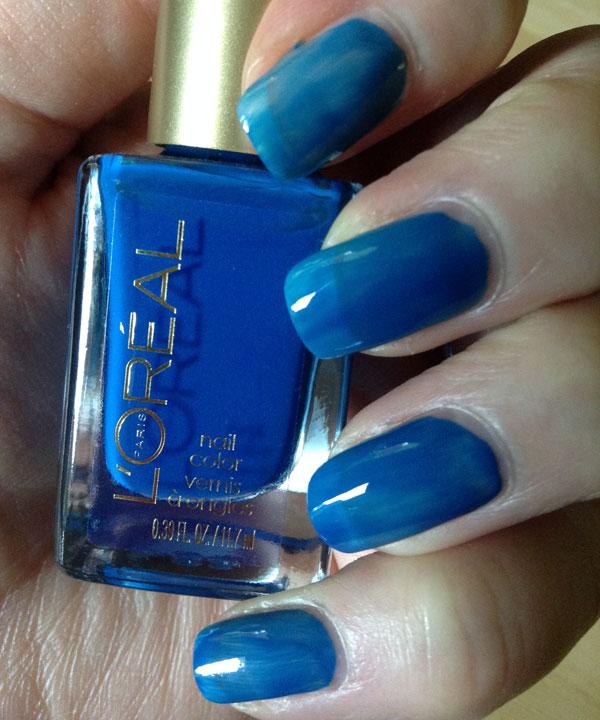 One coat of L'Oreal's Jet Set to Paris blue nail polish.