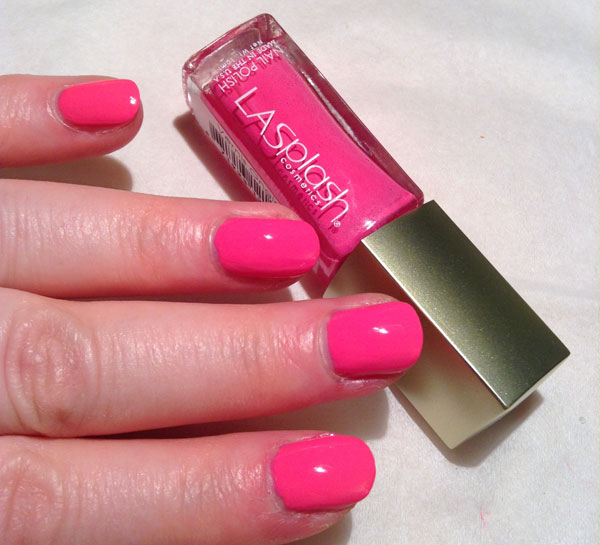 I was in the mood for hot pink nail polish and LASplash definitely fit the bill with their Blowfish Hot Pink.