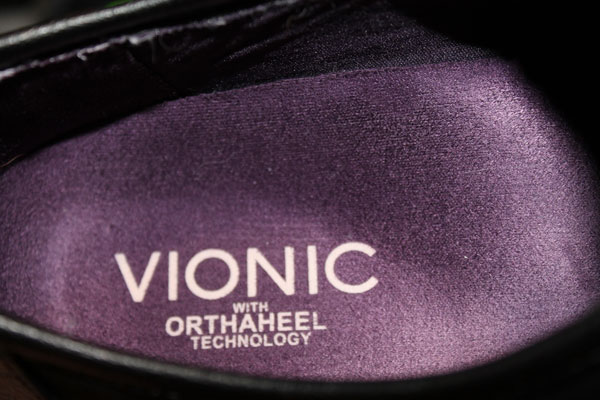 Vionic biomechanical insole of Orthaheel sneakers.